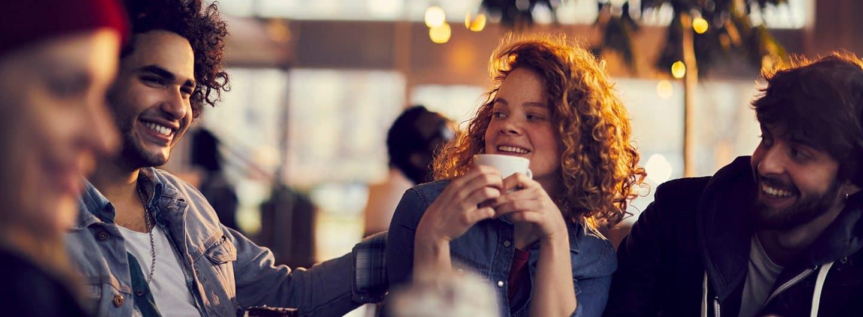 Freunde in einem Cafe