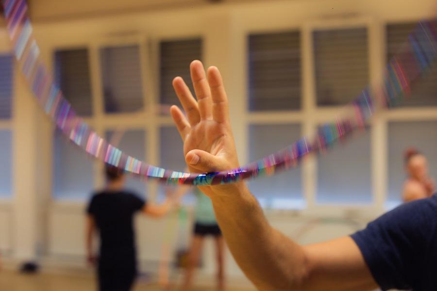 Hoopdance Linz am Daumen