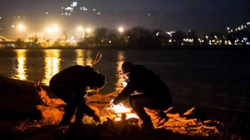 Lagerfeuer im Winterhafen Linz