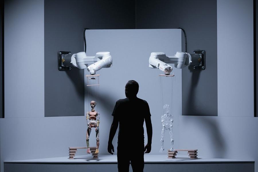Marionetten im neuen Ars Electronica Center